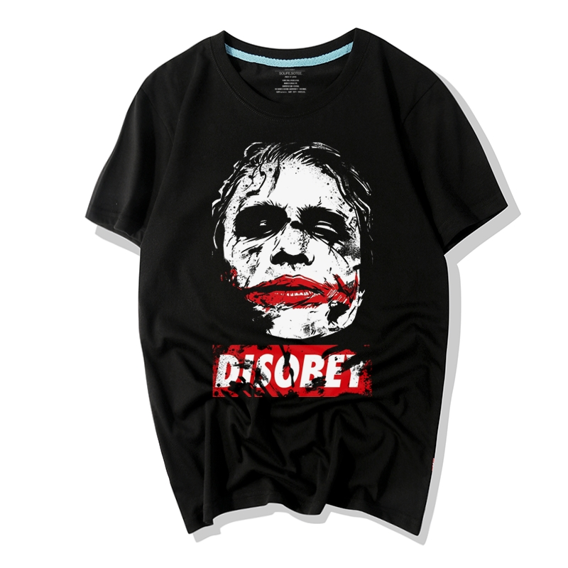 <p>Superhero Batman Joker Tee Hot Topic T-Shirt</p>